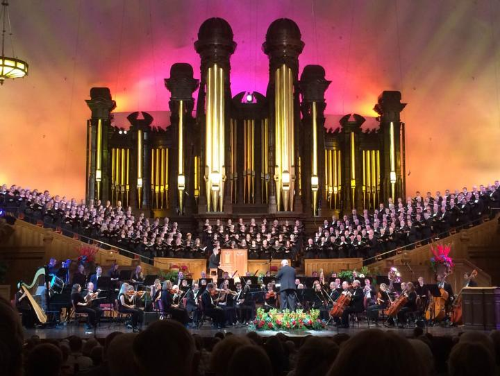 Inside the Mormon Tabernacle. DIANA WILCOX PHOTO