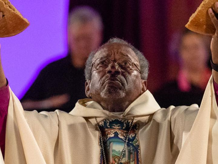 Presiding Bishop Michael Curry celebrates the opening Eucharist on July 5. CYNTHIA BLACK PHOTO