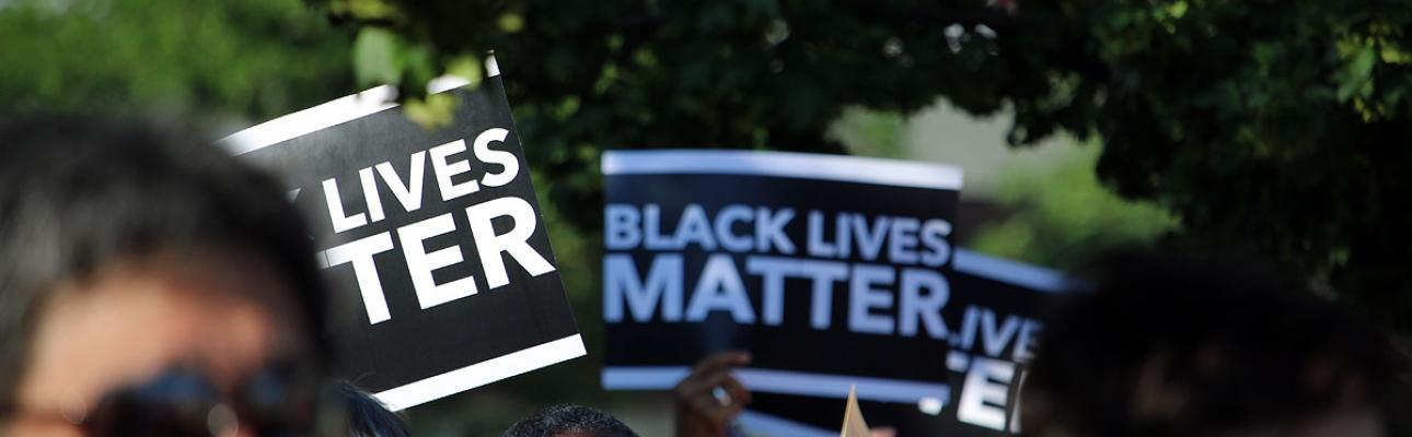 """""""BLACK LIVES MATTER"""" signs"""